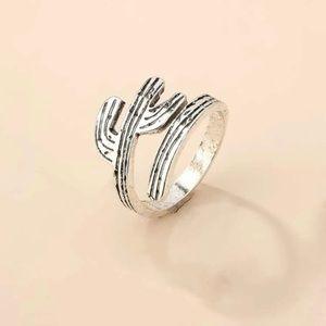 5/$12 💞 Cactus Wrap Boho Ring